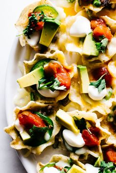 perfect individually topped microwave nachos recipe - www.iamafoodblog.com
