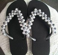 Resultado de imagem para chinelos decorados com perola