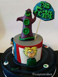 Tarta día del Tentáculo. ¡Feliz día del ORGULLO FRIKI 2014!   //  Day of the tentacle cake. Happy nerd pride day! mayer's cakes Day Of The Tentacle, Cupcakes, Nerd, Birthday Cake, Cookies, Sweet, Desserts, Inspiration, Ideas
