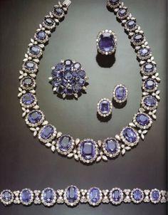 Jade Jewelry, Diamond Jewelry, Jewelry Sets, Jewelry Necklaces, Jewellery, Bracelets, Luxury Jewelry, Modern Jewelry, Antique Jewelry