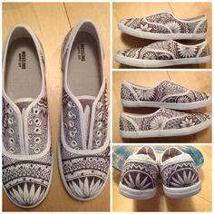 Zentangle shoes Sharpie on canvas shoes B. Baltzell #sharpie