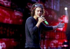 Shared by dirbeliemixer. Find images and videos about one direction, and Harry Styles on We Heart It - the app to get lost in what you love. Harry Styles Tattoos, Harry Styles Pictures, Harry Styles Imagines, One Direction Zayn Malik, Members Of One Direction, Where We Are Tour, Up To The Sky, Treat People With Kindness, Harry Edward Styles