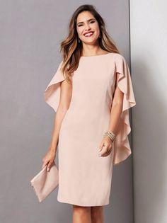 Este vestido de crepe con su elegante capa te proporcionará un look muy sofisticado y favorecedor. Vestido de fiesta con escote V en la espada, cerrado por - Venca - 140251