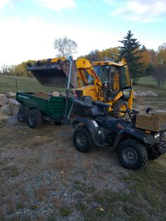 Fill-er-up! Dolf's new Multilander is earning its keep...  #atvtrailer #dumptrailer #offroadtrailer #offroad #woodlandmills #multilander #atv #utv #offroad #topsoil  #atvlife #farmlife #gardening #countrylife #gardening #landscaping #home #diy #gardener #trailrunning #trail #backcountry #farmwork  www.woodlandmills.com/multilander Atv Trailers, Dump Trailers, Atv Utility Trailer, Off Road Trailer, Top Soil, T Rex, Farm Life, Country Life, Offroad