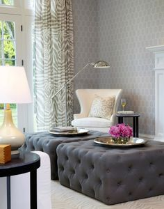 TIMELESSLY TUFTED OTTOMANS: classic living room design with a polished #style + #geometric wallpaper