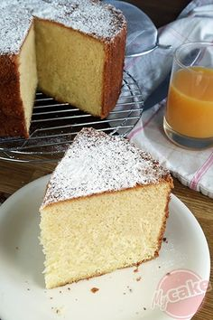 The Chiffon Cake a cloud of cake with incomparable softness! Cake Roll Recipes, Sponge Cake Recipes, Cake Recipes From Scratch, Easy Vanilla Cake Recipe, Chocolate Cake Recipe Easy, Chocolate Recipes, Easy Homemade Cake, Homemade Cake Recipes, Ground Beef Stroganoff