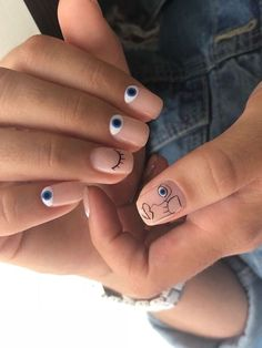 Discover cute and easy nail art designs for all occasions. Find inspiration for Easter, Halloween and Christmas and create your next nail art design. Minimalist Nails, Cute Spring Nails, Cute Nails, Nail Summer, Stylish Nails, Trendy Nails, Gel Nails, Nail Polish, Nail Nail