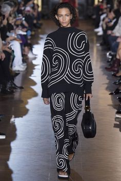 Stella McCartney Spring 2016 Ready-to-Wear Fashion Show - Binx Walton (Next)