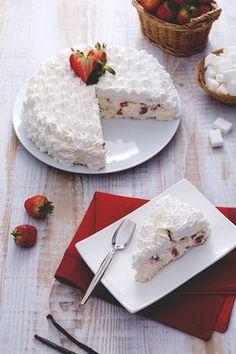 Torta meringata alle fragole: una fetta di questa bontà renderà la tua giornata ancora più strepitosa!  [Strawberry meringue cake]