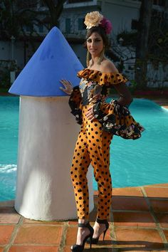 (33) vestidos de flamenca y ole¡¡¡¡ Mexican Style Dresses, Carnival Outfits, Andalucia, Spanish Style, Blouse Styles, I Love Fashion, Two By Two, Halloween Costumes, Polka Dots