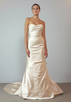Love how simple and elegant this on is... VWIDON by Carla & Kenneth - VW1396