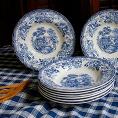 These charming patterns were produced in the UK after WWII. Tonquin is one of the most popular of the Royal Staffordshire patterns. Here are eight