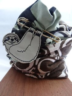 Sloth scarf pin brooch leather by thingsofgemstone on Etsy Fabric Gift Bags, He's Beautiful, Sloth, Brooch Pin, Bucket Bag, Coin Purse, Leather, Handmade, Gifts
