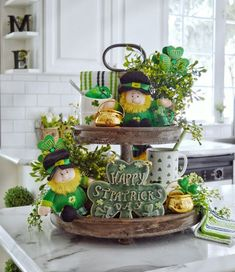 Dining Delight: St Patrick's Day Tiered Tray Dining Delight: St… – fitness training Style At Home, Hollywood Regency, St Patrick's Day Decorations, St Patrick's Day Crafts, Tiered Stand, St Paddys Day, Tray Decor, Table Centerpieces, Seasonal Decor