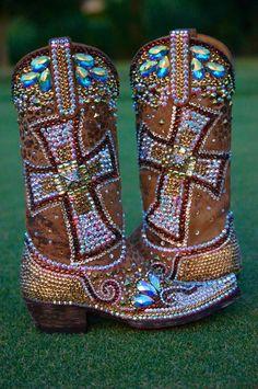 bota vaquera con #swarovski personalizadas.     Tutorial #diy paso a paso para decorar tus #botas