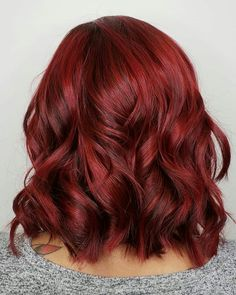 Royal Take Over - red hair - cabelo vermelho - Beauty Galerien Red Bob Hair, Dark Red Hair, Red Hair Brown Skin, Red Hair Cuts, Medium Red Hair, Black Hair, Auburn Balayage, Balayage Hair, Hair Color And Cut