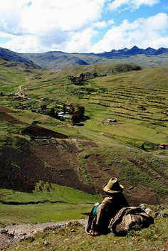 Peru: Quechua woman looking over the landscape of the Potato Park People Around The World, Around The Worlds, Peru Image, Animal Fibres, South America Travel, Ecology, Beautiful Landscapes, Looking For Women, Places To Go