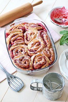 Brioche-Himbeer-Schnecken, brioche, hefeteig, hefegebäck, raspberrys, brioche-raspberry-rolls, food, foodblogger, fashionkitchen, fashionkitchenbackt, fashionkitchen bakes, bakery, rezept, recipe, just spices,