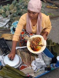 Street Food vendor in Indonesia #streetfood #Indonesia