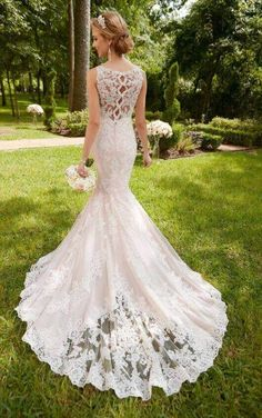 6343 Scalloped Lace Keyhole Back Wedding Dress by Stella York