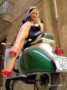 hot girl on #Vespa #italiandesign