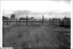 SLSA: PRG 280/1/34/305   TITLEProspect Oval     DESCRIPTIONThe entrance gates at Prospect Oval, South Australia     DATE1923