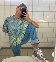 i'm not really into tie dye trend but i love these :))) Looks Street Style, Street Style Trends, Looks Style, My Style, Street Styles, Summer Outfits, Girl Outfits, Casual Outfits, Fashion Outfits