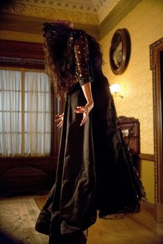 Penny Dreadful, Eva Green as Vanessa Ives. I LOVED the black dress with the polka dots Vanessa wore on her date with Dorian, and then when her demon came out to play. Dorian Gray, Frankenstein, Paranormal, Eva Green Penny Dreadful, Inktober, Penny Dreadfull, Vanessa Ives, Victorian London, Victorian Era