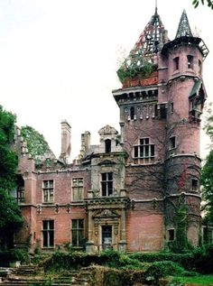 Architecture - Abandoned Places - Charle-Albert Castle or Chateau. The chateau is located on avenue Charles-Albert Watermael-Boitsfort, bordering the Sonian Forest in Belgium. It was completed in The building sustained heavy bombing damage in WWII. Abandoned Buildings, Abandoned Castles, Abandoned Mansions, Old Buildings, Abandoned Places, Abandoned Belgium, Beautiful Buildings, Beautiful Places, House Beautiful