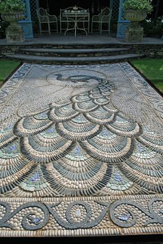 Peacock - if I only knew where to get these pebbles! Pebble Mosaic, Stone Mosaic, Mosaic Art, Mosaic Walkway, Rock Mosaic, Garden Paths, Garden Art, Garden Design, Peacock Decor