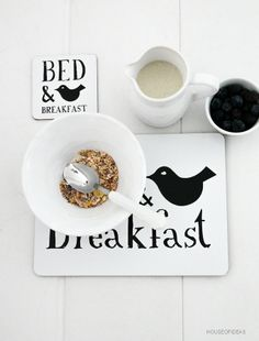 Bed and Breakfast Morning People, B & B, Bed And Breakfast, Dog Bowls, I Shop, Sweet Home, Brunch, Pottery, Tableware
