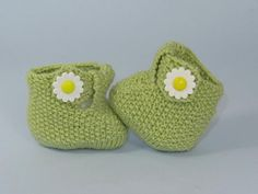 Knitted Baby T Bar Daisy Boots with Pattern
