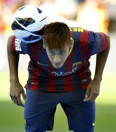 Uploaded by FC Barcelona. Find images and videos on We Heart It - the app to get lost in what you love. Neymar Jr, Football Soccer, Football Players, Soccer Pictures, Soccer Pics, World Cup 2014, Best Player, Fc Barcelona, American Football
