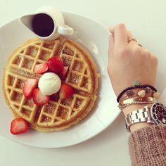 Oh breakfasts in LA #theblondesaladgoestohollywood - @chiaraferragni- #webstagram