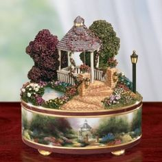 I would definitely cry in excitement if I received this as a gift. It is full of delicate details .I really like this Rosanna Scarpa Antique Music Box, Antique Boxes, Vintage Music, Quotes Girlfriend, Thomas Kinkade Art, Thomas Kincaid, Art Thomas, Music Jewelry, Jewelry Box