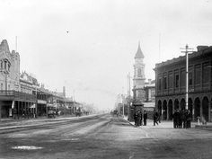 St Vincent St in Port Adelaide,South Australia during the 1920s.Visible is the town hall and the post office.