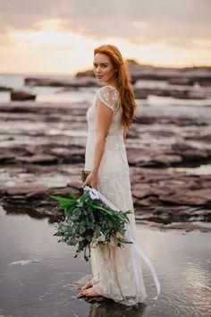 Windswept Beach Bride Inspiration } Photo by Alana Taylor http://www.alantaylorphoto.com/