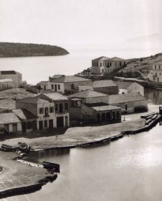 80 rare images for Crete btw 1911 - 1949 from Nelly's was the female photographer! Crete Greece, Athens Greece, Old Pictures, Old Photos, Vintage Photos, Greece History, Crete Island, Rare Images, Old Maps