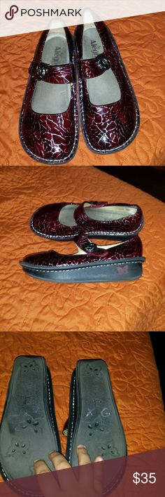 Alegria nursing shoes Alegria nursing shoes. They are in very good condition. Size 37 Alegria  Shoes Mules & Clogs
