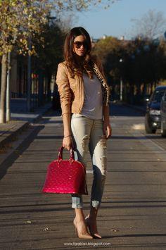 Cazadora y Camiseta Zara / Jean Mango / Calzado Christian Louboutin / Bolso Louis Vuitton / Gafas Michael Kors