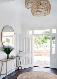 20 Stylish Entryway Ideas for a Beautiful First Impression » birdexpressions.com #interiordesignlivingroomcolors #interiordesignlivingroom #interiordesignlivingroomwarm #interiordesignlivingroommodern #interiordesignlivingroomrustic