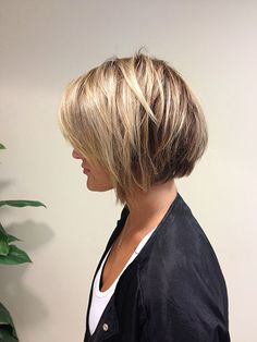 Short haircuts 2016 ideas exclusively for the spring and summer look are here now. Try these short haircuts 2016 and get a fresh look in this new spring time. Bob Hairstyles 2018, Bob Hairstyles With Bangs, Pretty Hairstyles, Straight Hairstyles, Bob Haircuts, Easy Hairstyles, Hairstyle Ideas, Hairstyle Short, Blonde Hairstyles