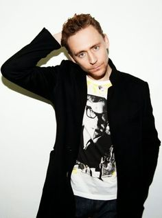 Tom in casual clothes=As sexy as Tom in three-piece suits...