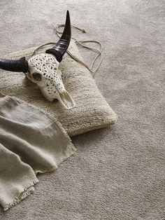 Voelen is geloven! Je wilt meteen op blote voeten te lopen. Parade Touch #tapijt is super #zacht.