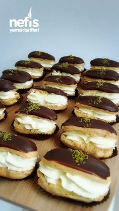 Ekler Pasta Tarifi - Nefis Yemek Tarifleri - - Reality Worlds Tactical Gear Dark Art Relationship Goals Eclair Cake Recipes, Pie Recipes, Yummy Recipes, Dessert Recipes, Cooking Recipes, Yummy Food, Eclairs, Profiteroles, Cakes Originales