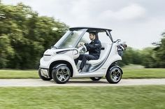 The new Mercedes-Benz Style Garia offers a new option for golfers who want the finest in modern luxury, and the legendary design of the Benz.