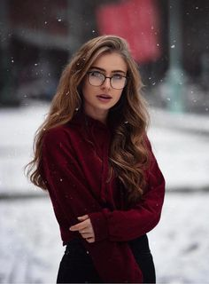 Beautiful Long Hairstyles for Women in 2019 - Page 16 of 20 - Fashion Beautiful Long Hairstyles for Women in 2019 - Page 16 of 20 - Fashion,Красотки! Beautiful Long Hairstyles for Women in 2019 women inspiration gadot monroe face Beautiful People Photography, Photography Women, Layered Haircuts With Bangs, Portrait Photography Poses, Cute Girl Photo, Inspiration Mode, Character Inspiration, Girls With Glasses, Cute Woman