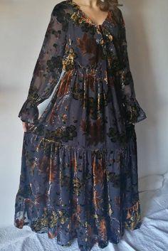 Vestito lungo da donna in velluto devore con manica lunga e