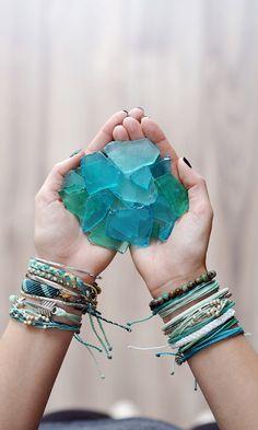 Teal Bracelets and Style Packs from Pura Vida Bracelets. Pura Vida! #friendshipbracelet #armcandy #bohobracelet #bohemian #blue #stackedbracelet