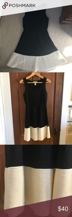 """Banana Republic wool dress Banana Republic extra fine merino wool dress. Worn once, in flawless condition. Fantastic for holiday parties and professional attire. 35.5"""" shoulder to hem. Banana Republic Dresses"""